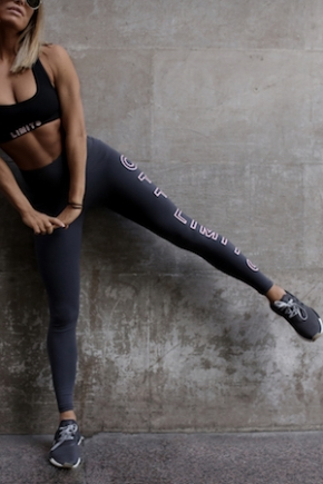 Limitless Legging In Charcoal